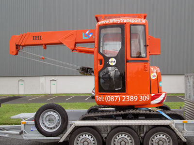 Mini Crane Hire - ideal for use in many industries