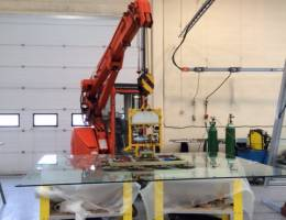 Mini Crane Hire and Glass Vacuum Lifting Service