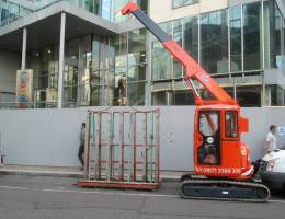 Glass Vacuum Lifter and Mini Crane Hire