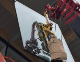 Spider Crane Hire - UNIC URW-376 with the P11104 4-in-line Vacuum Lifter