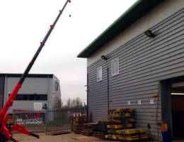 Mini Spider Crane Hire - UNIC URW 376 in action