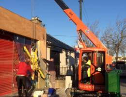 Mini Crane Hire for glass lifting