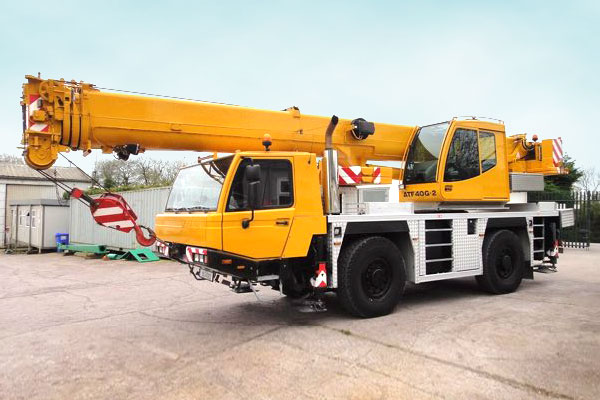 Tadano 40-ton mobile crane for hire